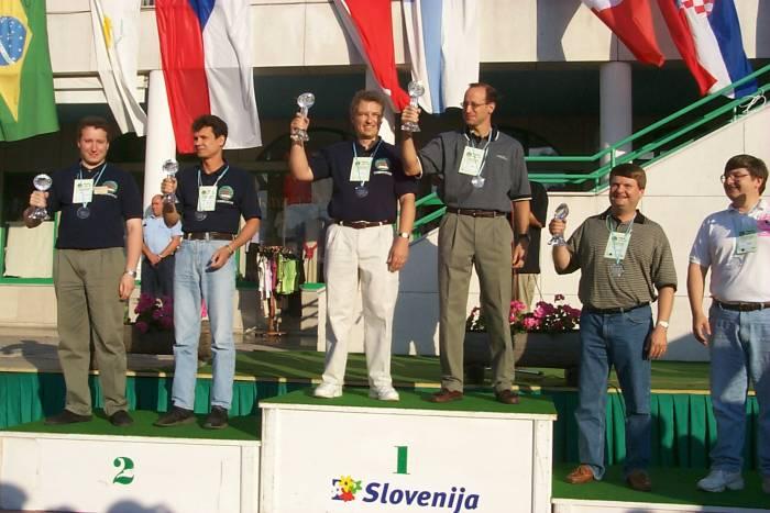 wrtc2000_podium